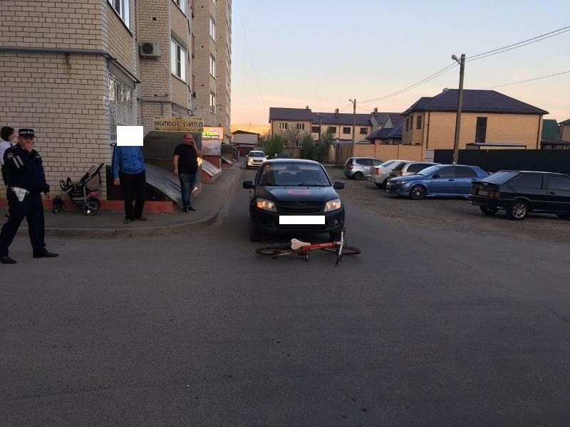 ВСтаврополе нелегальный таксист сбил маленького велосипедиста