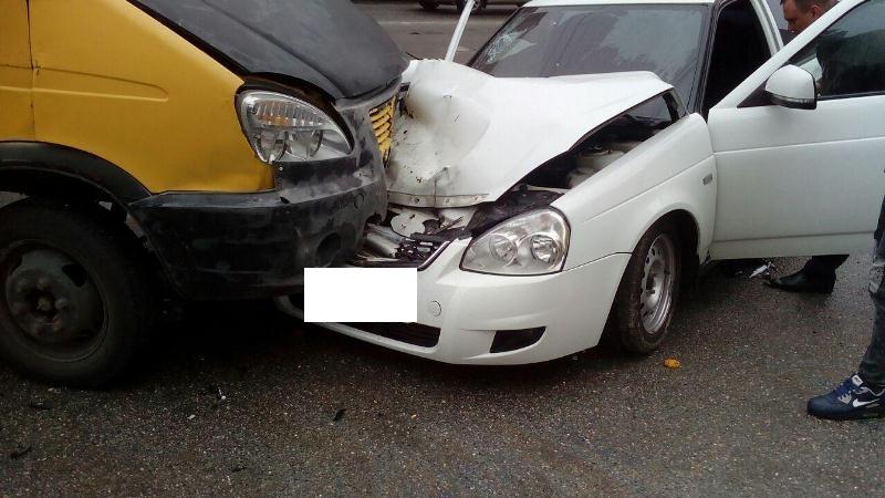 Втройном ДТП вСтаврополе пострадали 3 человека