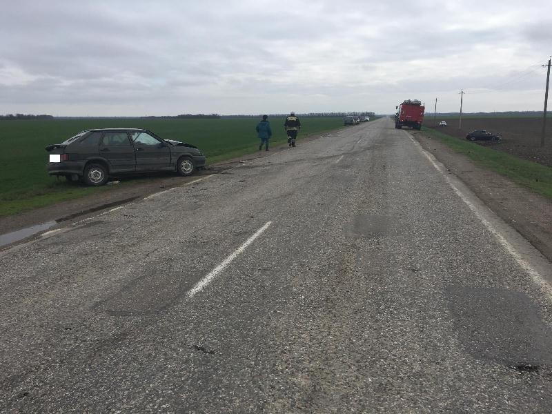 ВКировском районе Ставрополья обгон лихача привел ктройной автоаварии