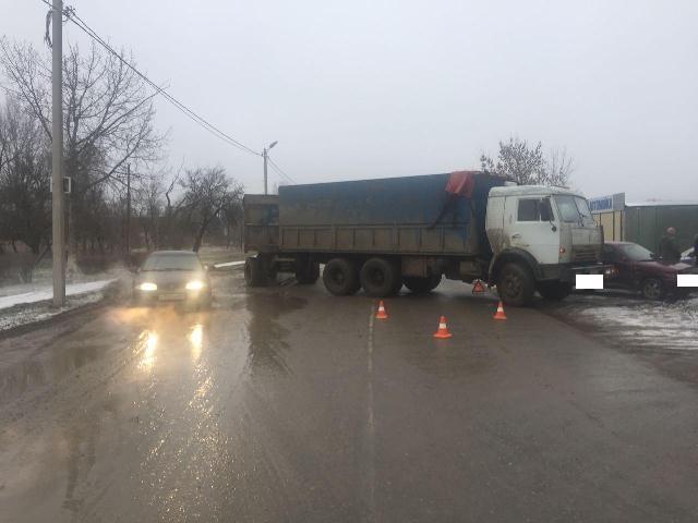 В трагедии грузового автомобиля и«Десятки» вБудённовске пострадала 6-летняя девочка